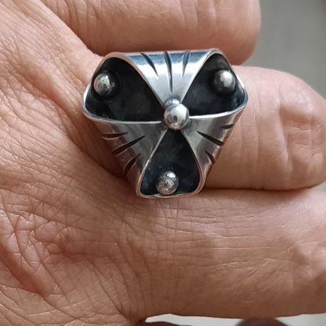 Rezerwacja Stary pierscionek srebro