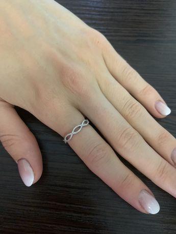 Кольцо с бриллиантами, белое золото, каблучка