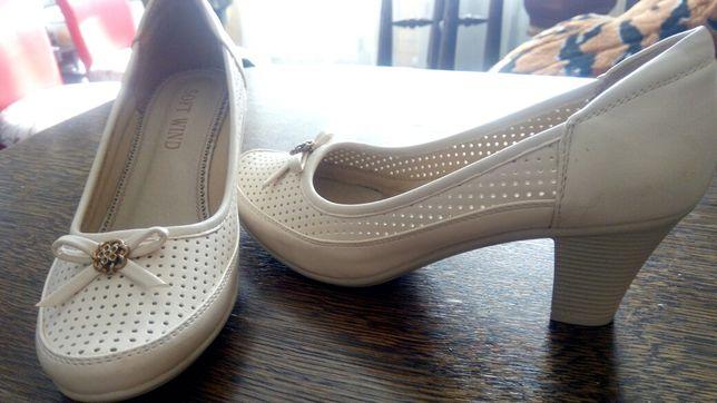 Симпатичные туфельки 38 размер