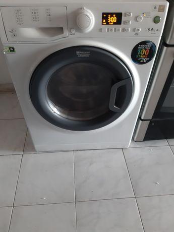 Máquina de lavar e secar roupa Hotpoint Ariston