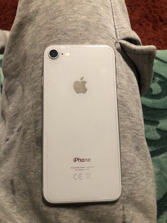 Iphone 8 gwarancja caly komplet