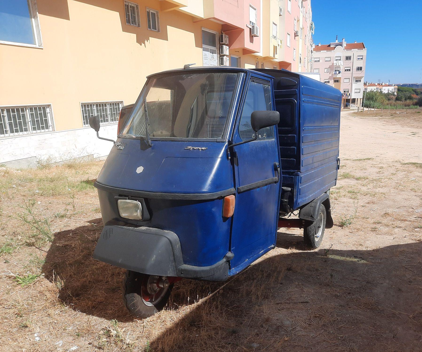 Triciclo Piaggio Ape50