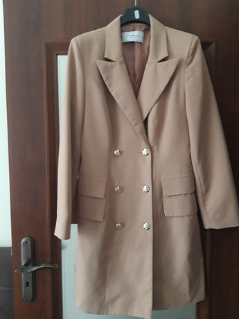 VARLESCA nowa sukienka żakietowa jak płaszcz złote guziki nude 38 M