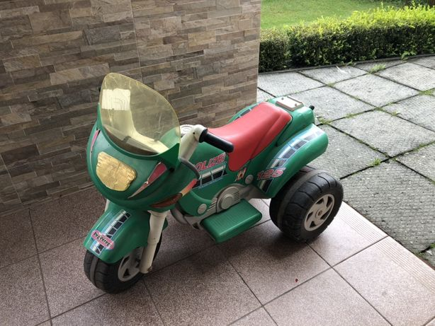 Motorek Peg Perego 6v Policyjny motocykl dla dziecka 2-5lat