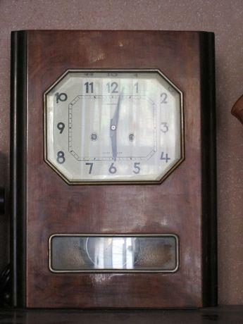 Часы Янтарь ,Орловский з-д ,механические с курантовым боем,50-х годов