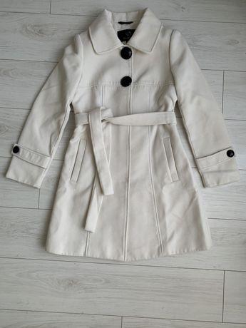 Пальто кремовое белое