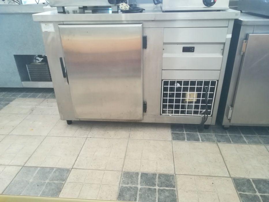 ACM282 - Bancada refrigerada em inox com 1 porta