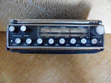 Автомобильный радиоприемник