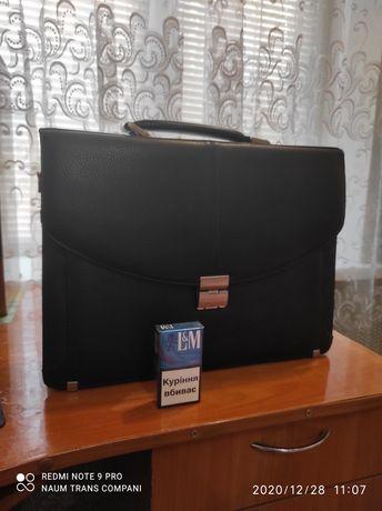 Продам портфель новый