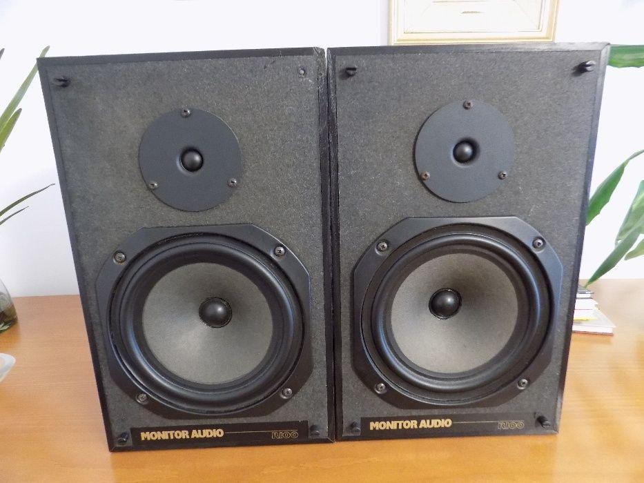 Colunas Monitor Audio R100