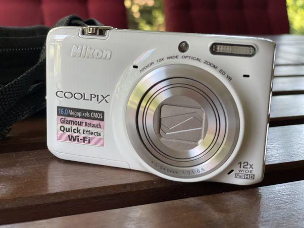 Nikon Coolpix S6500 + gratis