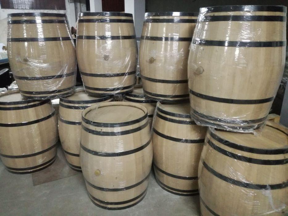 Lote de barricas/barris/pipos avinhados 225 litros madeira de carvalho Bougado (São Martinho E Santiago) - imagem 1