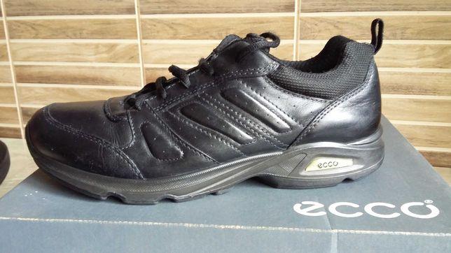Шкіряне взуття  ECCO  (26,5см)