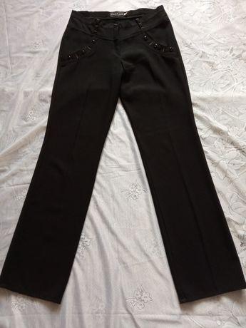 Чёрные стрейчевые брюки р.46