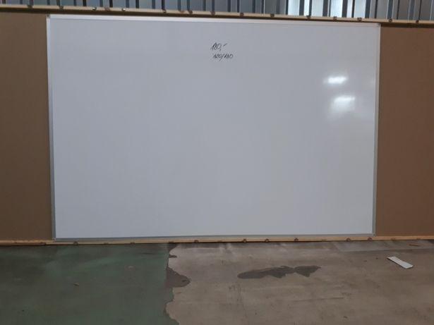 Tablica magnetyczna suchościeralna o wymiarach 180 ×120 cm
