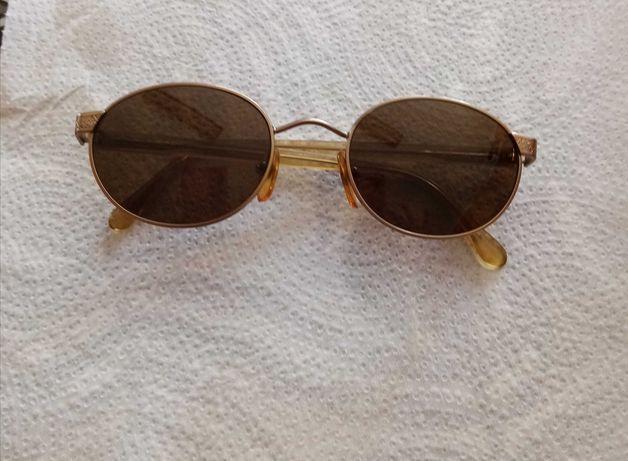 Óculos de sol antigos