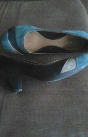 Sapatos de tacão camurça tons azul e castanho, nº 38