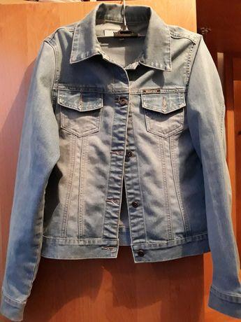 Джинсова куртка / джинсовка S