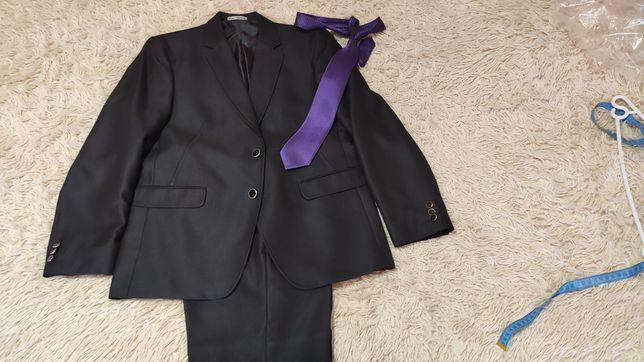 Мужской костюм 48 размер
