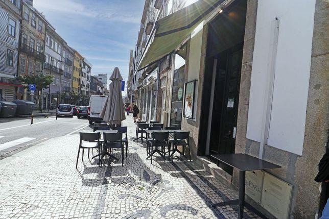 Trespasse de Restaurante na Rua Passos Manuel
