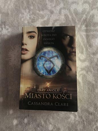 """Cassandra Clare """"dary aniola miasto kosci"""""""