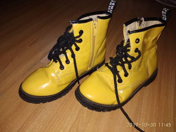 Ботинки осенние лаковые