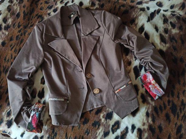 Продам красивый пиджачёк