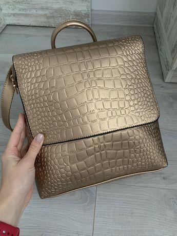 Сумка-рюкзак жіноча золотиста