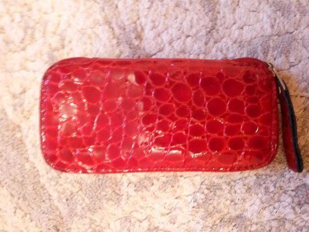 Продам кожаный чехол (11см х 4,5 см)