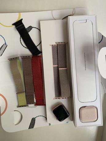 Apple Watch 4 44mm gold aluminum case pink