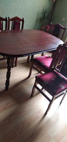 Stół z 6-cioma krzesłami