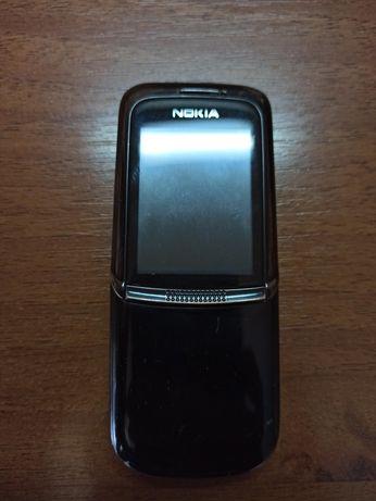 Мобильный телефон Nokia 8820