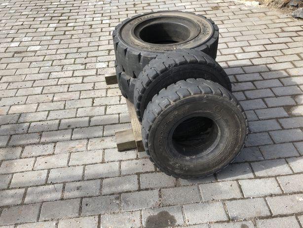 Vendo 4 pneus maciços de Empilhador