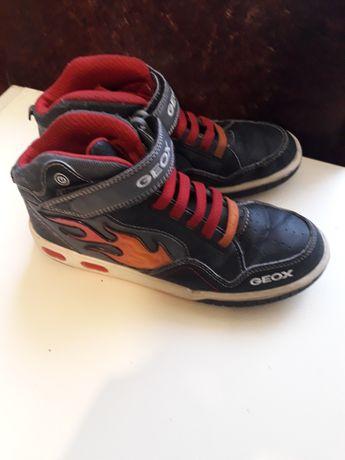 Продам ботинки  Geox р 36