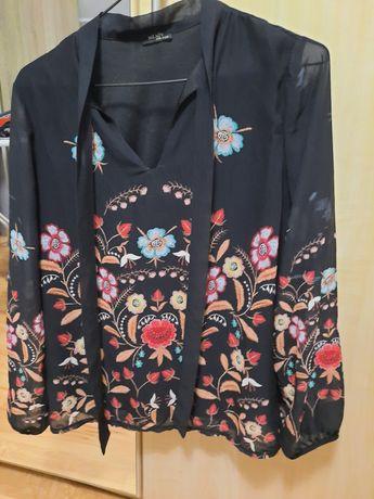 Bluzka w kwiaty szyfon