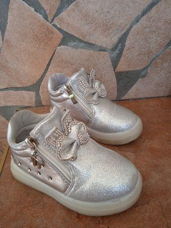 Ботинки для девочки размер 23. (14,3см по стельке)