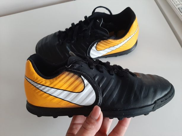 Футзалки, сороконіжки, копочки Nike 36р.
