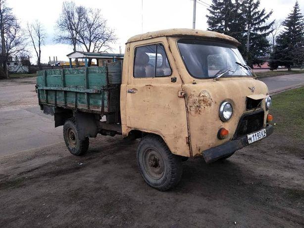 Продам УАЗ 3303.