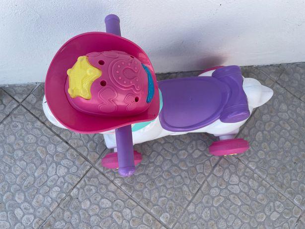 Cavalo chicco cor de rosa