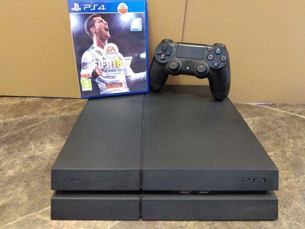 Konsola PS4 1TB, pad, okablowanie, FIFA 18