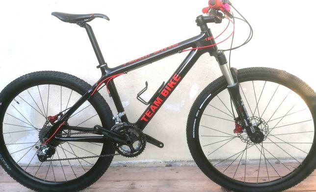 Bicicleta em Carbono 27,5 tamanho S