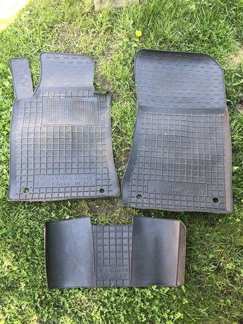 Оригінальні коврики на Мерседес W211
