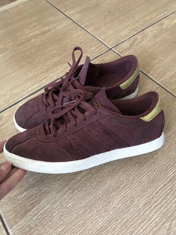 Кроссовки Adidas размер 40 стелька 25 см