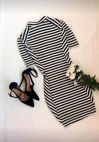 Платье (плаття, сукня) в полоску чёрно-белое