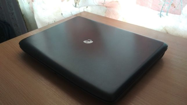 Ноутбук Acer emachines e520/Intel Dual core 2.00 Ghz/750 Gb HDD