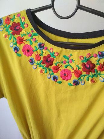 нарядное вышитое платье вышиванка