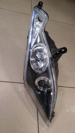 Lampa / reflektor do skutera Kymco Downtown 125 prawa przednia używana