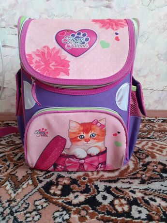 Продам рюкзак 1-4 класс