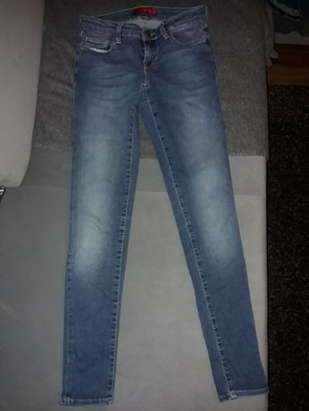 Guess spodnie jeansy roz 24 XS/S