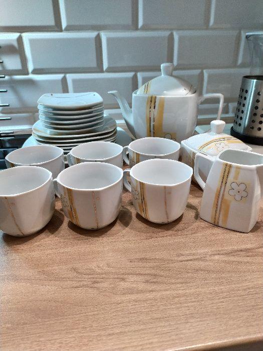 Serwis/zestaw kawowy porcelanowy dla 6 osób 22 elementy Łódź - image 1